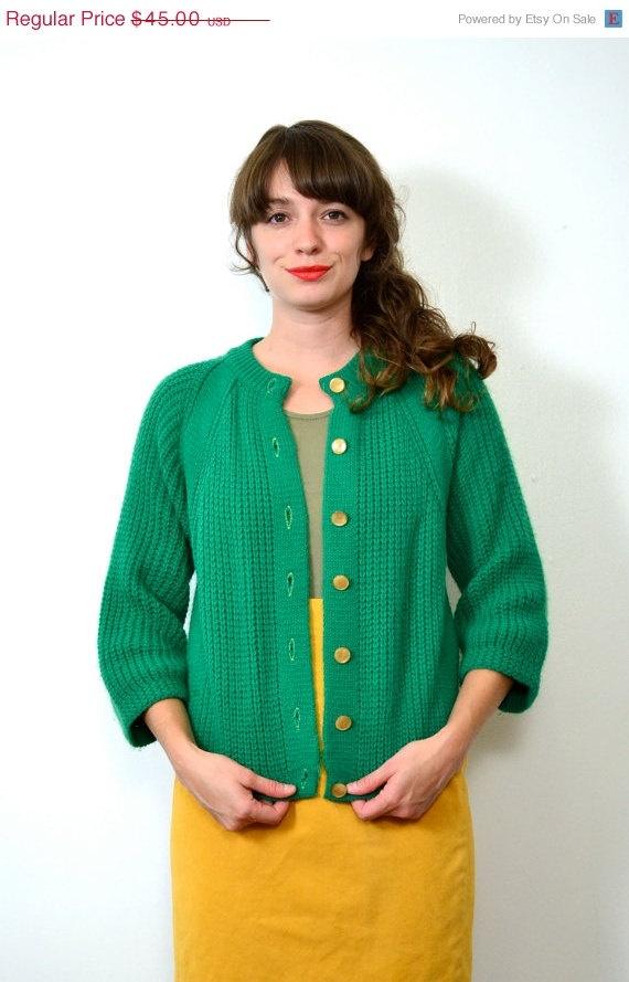 May Sale // 1960s Kelly Green Knit Cardigan // Small // Medium