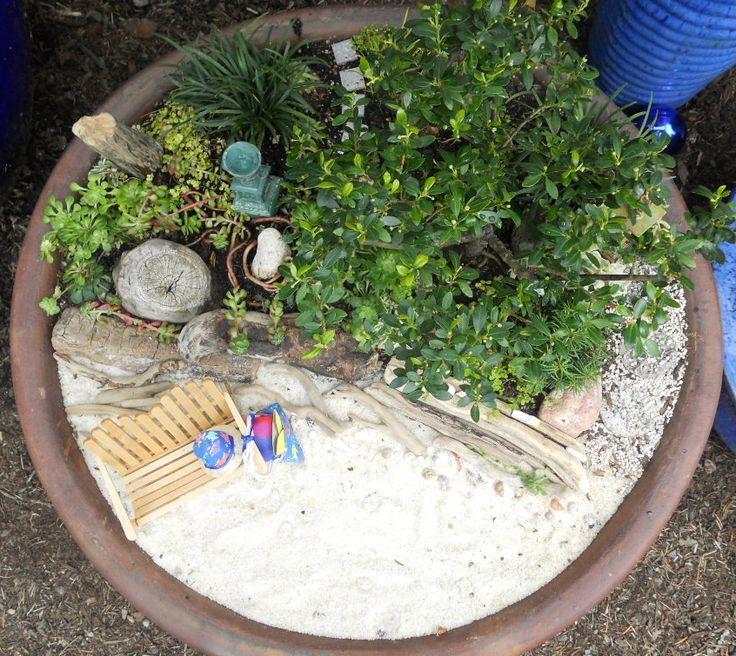 Mini zen garden japanese for the home pinterest for Miniature japanese garden