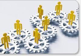 01. Organización del Sistema Logístico. La función logística en una empresa, es la que proporciona los insumos, materiales y servicios necesarios para su funcionamiento. Organizando, planificando, coordinando y controlando el ciclo, desde que se produce la necesidad de adquisición, consumo o utilización, hasta que ésta se satisface física y administrativamente.