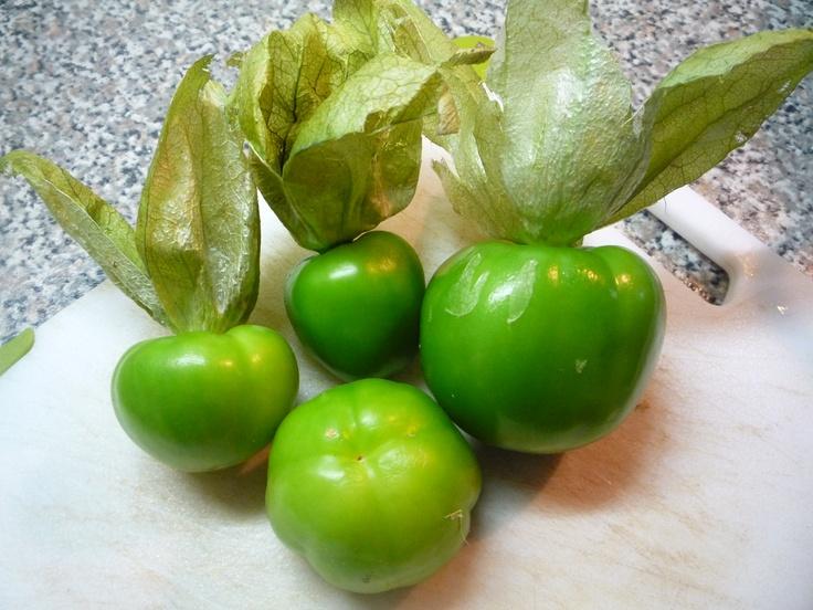 Tomate verde con cáscara