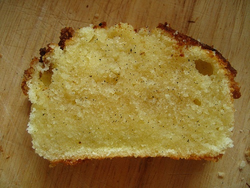 VANILLA BEAN POUND CAKE | Food I Love - Desserts and Sweets | Pintere ...