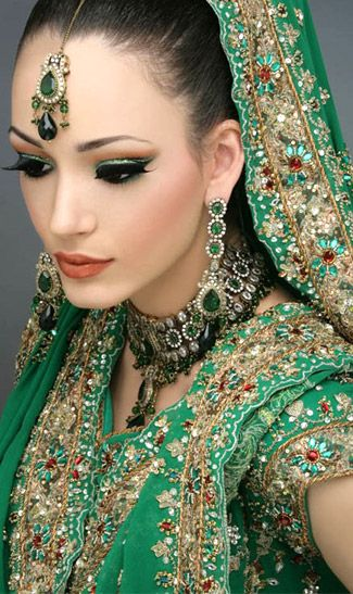 indian bride wedding jewelry and makeup