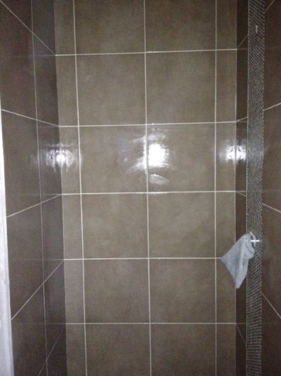 how to clean white shiny tiles
