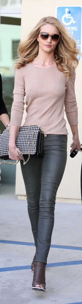 Sweater leather pants with handbag