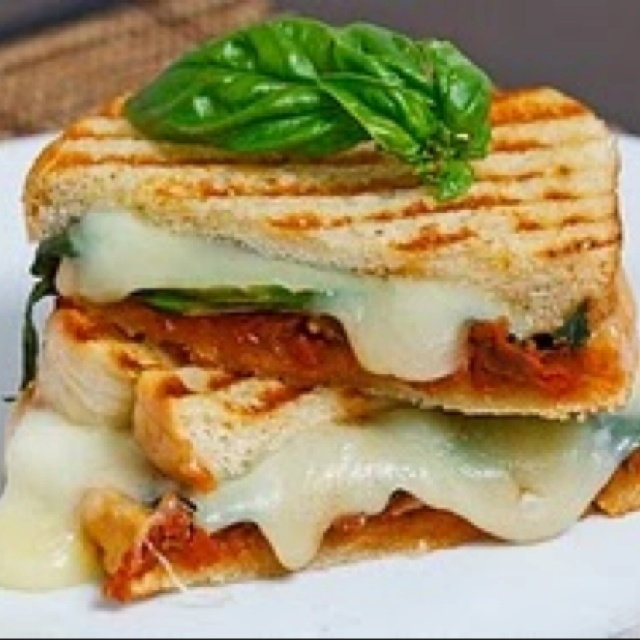 Sundried tomato pesto grilled cheese sandwich!