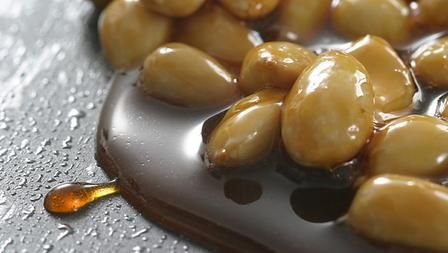 How to make caramel and praline | Food - Desserts & Treats | Pinterest