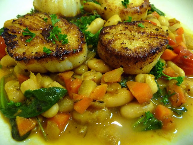 Seared Scallops over White Bean and Vegetable Saute