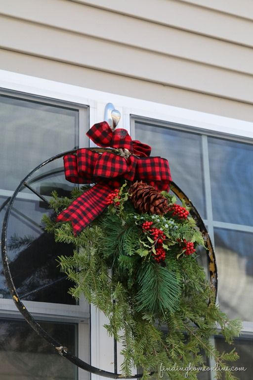 Outdoor vintage christmas decorating ideas how to make a bow Classic outdoor christmas decorations