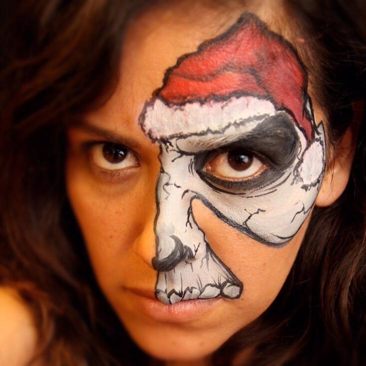 Vanessa Mendoza - Christmas skull