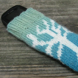 Free knitting pattern phone tablet amp laptop covers bare tree