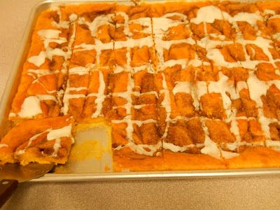Beth's Favorite Recipes: Cinnamon Roll Pumpkin Vanilla Sheet Cake