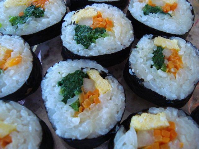How to Make Vegetarian Sushi Rolls | Food Food Food | Pinterest