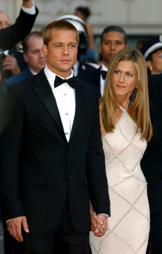 Brad pitt and jennifer aniston dated in 1998 before marrying and then