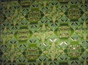 ... Motif bungong jeumpa merupakan motif batik Aceh yang bernuansa natural
