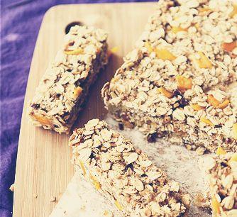 Low Fat Granola Bars with Mango, Hazelnut & Ginger