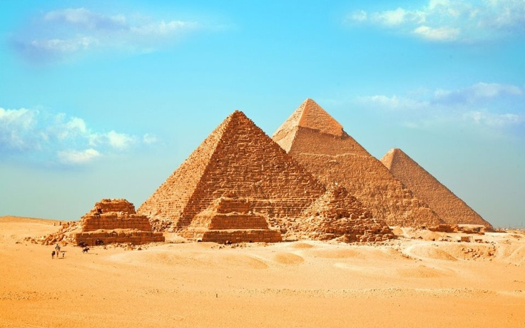 Vestigios de la arquitectura egipcia. Keops. Kefrén y Micerino en El Cairo.