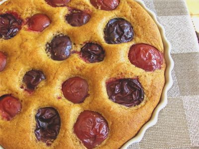 Plum-Topped Cornmeal Breakfast Cake: not too sweet, this vegan cake ...