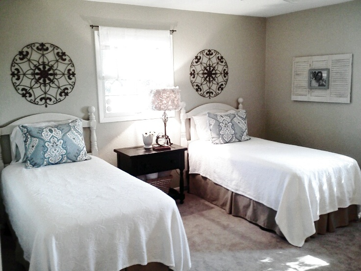 My guest room with the twin beds guest room ideas for Guest room with twin beds