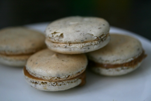 Lavender Macaroons with salted caramel | Food | Pinterest