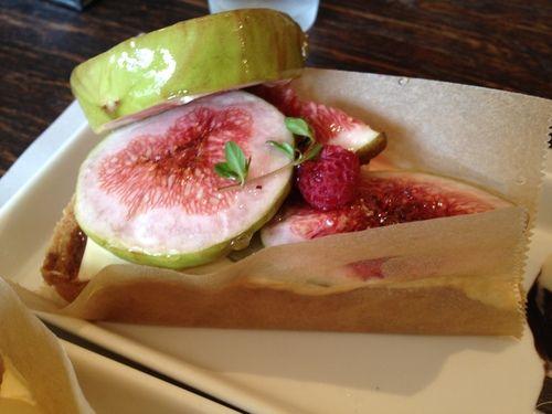 Rustic fig tart in Mie | Japanese Sweet & Salty Snacks | Pinterest