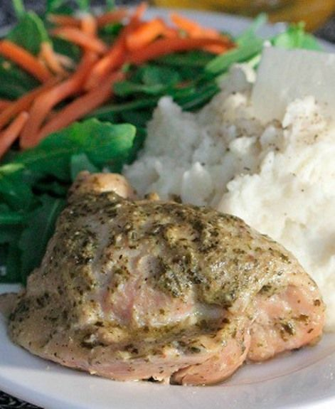 Pesto Ranch Crock Pot Chicken Thighs- I used chicken breasts and this ...