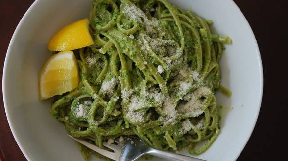 Spinach Pasta with Asparagus Pesto | Rachael Ray | Pinterest
