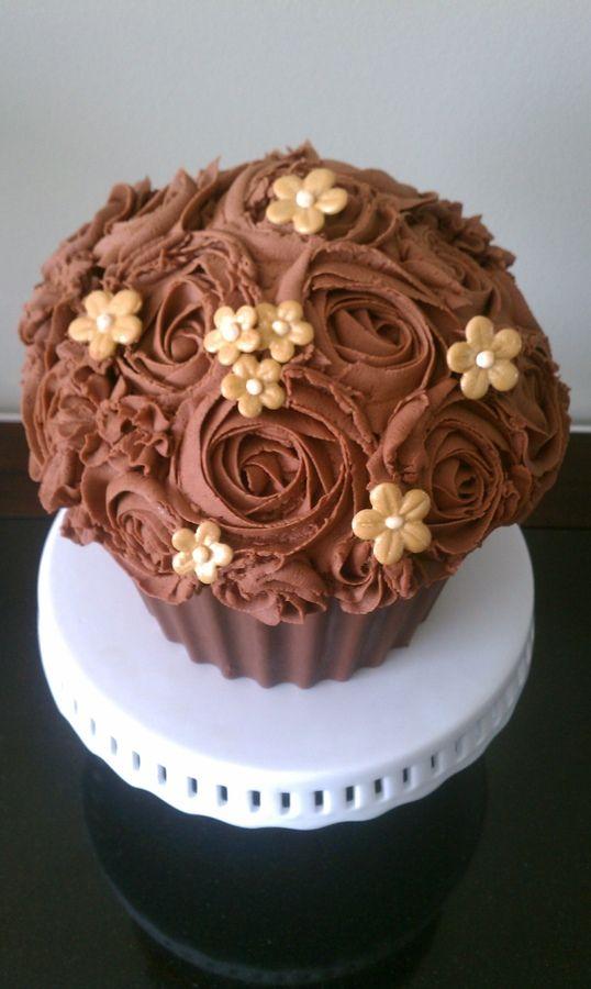 Chocolate Cake Decorating Ideas Pinterest : Chocolate Rose Cupcake Cake decorating ideas Pinterest