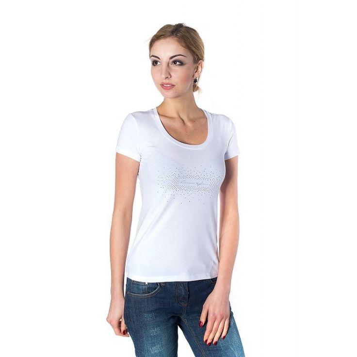 White t-shirt jeans combo | Blogger Girl | Pinterest