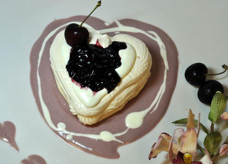 ... by Jan Lipinski on Mmmm.... Sweet Meringues, Pavlovas & Shortcake