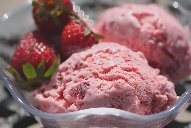 Strawberry Balsamic Ice Cream | Desserts | Pinterest