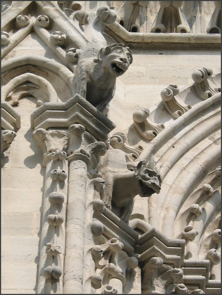 notre dame cathedral gargoyles gothic architecture