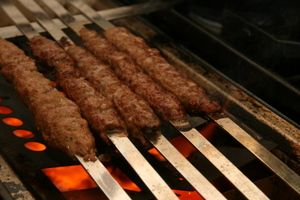 Persian Ground Meat Kebab (Kebab'e Kubide) LOVE this!!! One of my ...