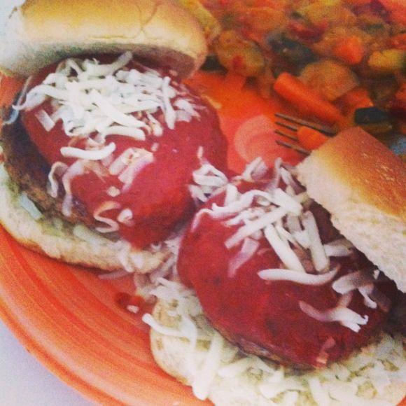 Chicken Parmigiana Burgers | skinny bites | Pinterest