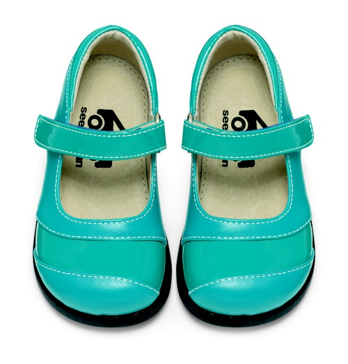 These teal maryjane shoes are perfect for this fall & back to school