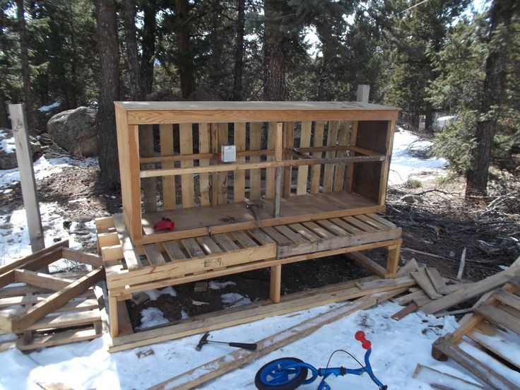 Pallet chicken coop my style pinterest for Pallet chicken coup
