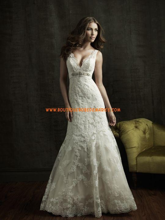 Robe de mariée glamour en dentelle col V  Robe de mariée dentelle ...