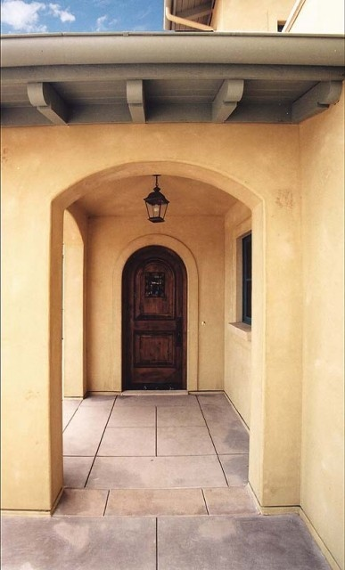 Great mediterranean style front door remodeling ideas for Mediterranean interior doors