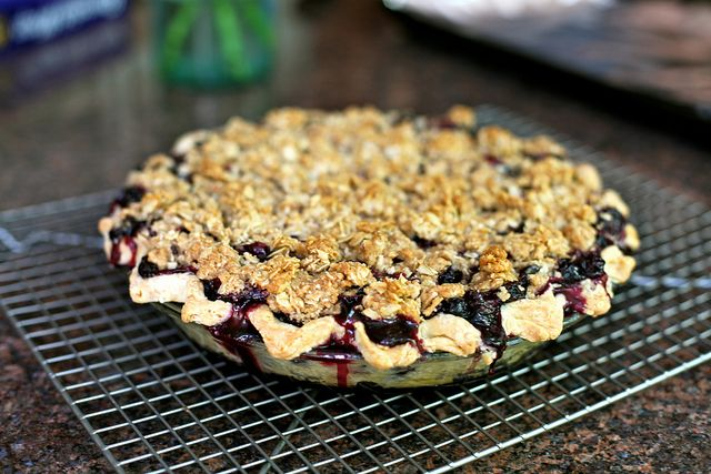 blueberry crumb pie - love the crumble topping...so much easier than ...
