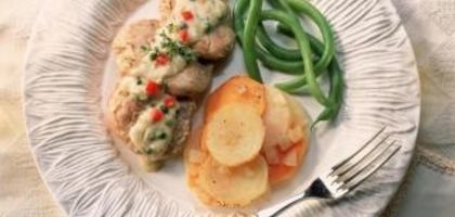 What Goes Well With Scalloped Potatoes? | eHow