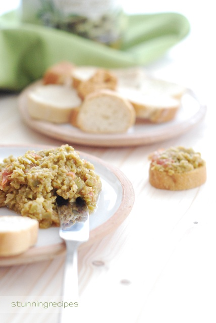 Easy recipes, stunning presentations: Green olive tapenade