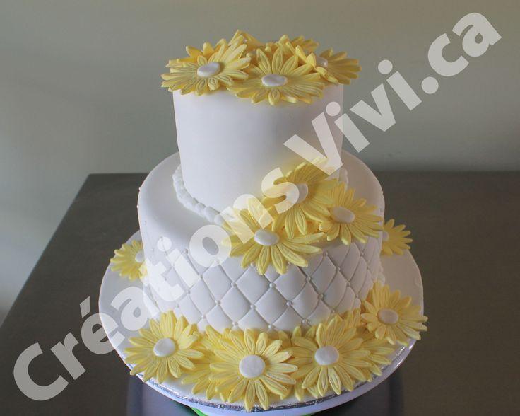 Gâteau de mariage avec marguerite jaune  Gâteaux de mariages et ...