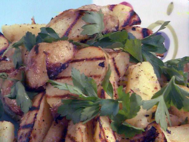 Grilled Yukon Gold Potatoes with Rosemary-Lemon-Garlic Vinaigrette ...
