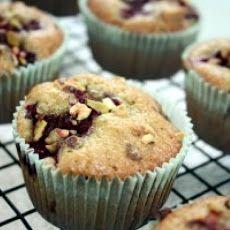 Pistachio With Raspberry Cupcakes Recipe   Food & stuff   Pinterest