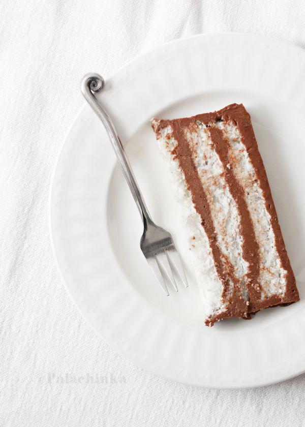 coconut meringue chocOlate cream bounty cake
