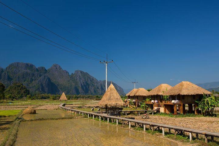 Nơi ăn uống ngon và có view đẹp nhất là Vieng Tara Villas