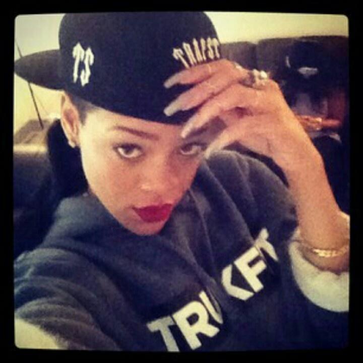 "Rihanna: Thug Life Look | The ""thug"" life | Pinterest Rihanna What Now Lyrics Tumblr"