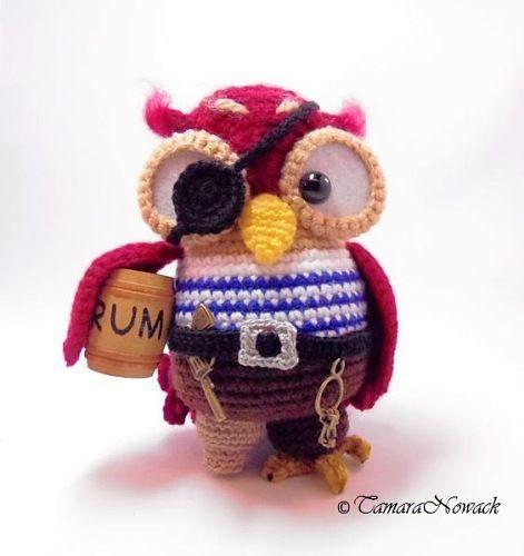 Как мило это пиратский сова?  Любовь это!  https://www.etsy.com/listing/125589159/pirate-owl-amigurumi-pdf-crochet-pattern?