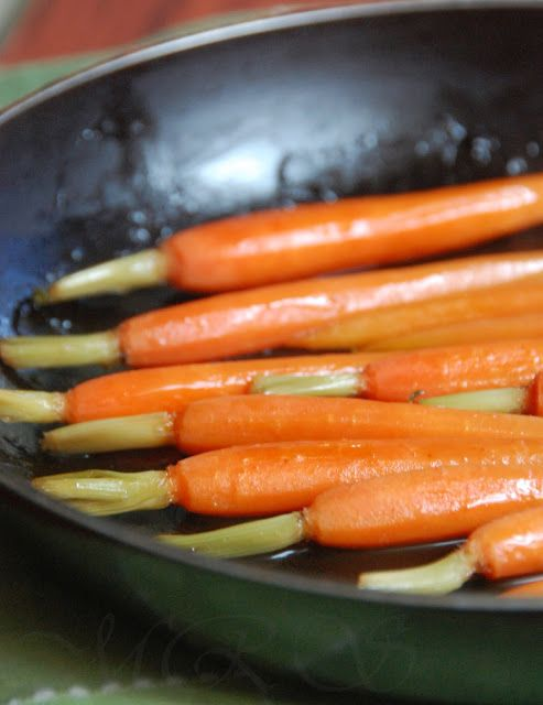 Michelle's Healthy Bites: Pan-Roasted Maple Carrots