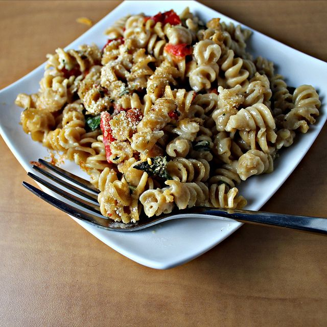 Macaroni and Goat Cheese with Roasted Red Peppers...Eat.Live.Be. for a ...