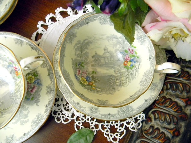 4 Aynsley Footed Tea Cups Teacups and Saucers by TheVintageTeacup